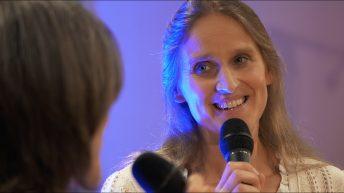 Lass mich erzählen - Anja Schraa